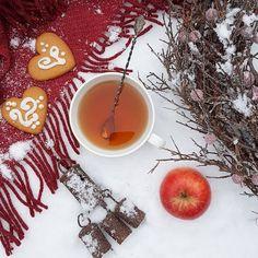 Have a lovely Tuesday my friends ❤ . . . #globalfotografia_stilllife #still_life_gallery #stilllife_perfection #country_stilllife #tv_stilllife #jj_still_ life #tv_neatly #tv_vintage #tv_retro #thehub_vintage #thehub_flatlay #antique_r_us #tea_cup_tuesday #teaandseasons #super_details_channel #super_vintage_channel #mystory_shots #mystory_cups #acuppadate #9vaga_shabbysoft9