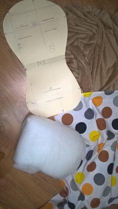 Dzisiaj pokażę Wam jak uszyć wkładkę do wózka...Ta jest stworzona na podstawie szablonu z kupionej kiedyś w prezencie wkładki reklamowa... Stroller Cover, Kids And Parenting, Sewing, Crochet, Projects, Mandala, Alice, Stuff To Buy, Baby Things