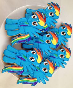 My Little Pony 'Dash' Cookies Wish I could frost like this, but whenever I use frosting, it looks awful.