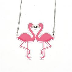 This awesome Kissing Flamingos Necklace is perfect for the sunny weather! Retro 50, Rockabilly, Flamingo Necklace, Sunny Weather, Kitsch, Jewelry Watches, Fashion Accessories, Snoopy, Pink