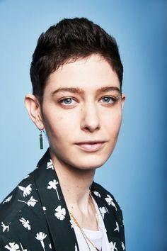 50 Elegant Gender Neutral Hairstyles