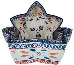 Reach for the stars. Whether for everyday meals or special occasion dinners, your food takes center stage in these nesting bowls by Temp-tations. Delicately hand-painted with bold and beautiful colors in the Old World pattern, this versatile set of three can go straight from the oven to the table to the dishwasher for the ultimate in kitchen convenience. From Temp-tations(R) Ovenware. QVC.com