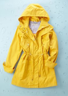 i need a yellow rain coat, everyone needs a yellow rain coat | #raingear #spring