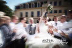 Voller Einsatz im Getümmel .. www.hochzeitsfotografie-berlin.org #hochzeitsfotograf #hochzeitsfotografberlin #weddingphotographer #weddingphotographerberlin www.andreaslemke.com