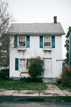 Little tiny well-loved houses with blue accents are my forever aesthetic  - http://ift.tt/1NTRLxU