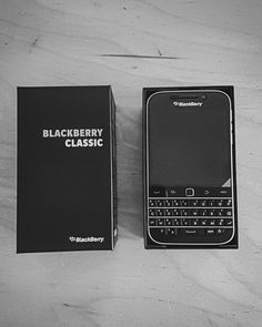 #inst10 #ReGram @mat_rcd: On oubli jamais son premier amour.  #backtothebasics #blackberry #bb #classic #paris #picoftheday #phone #love #happy #goodday  #BlackBerryClubs #BlackBerryPhotos #BBer #RIM #QWERTY #Keyboard
