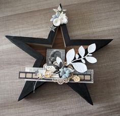 Home déco... - Scrapucine: 19-01-2016 Christmas Diy, Christmas Canvas, Christmas Decorations, Creation Deco, Paper Crafts, Diy Crafts, Home And Deco, Diy Wall Art, Diy Hacks