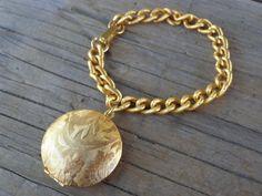 VINTAGE Golden Perfume Compact Locket Charm Bracelet Leaves Vines 1960's Jewelry #ESTEELAUDER #CharmVTGPerfumeCompactLocketGoldenJewelry