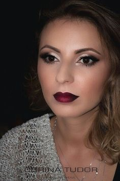 Dark ombre lips for this beautiful girl! #makeup #beauty #style #autumn #winelipstick