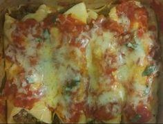 Panquecas low carb com queijo e molho de tomate