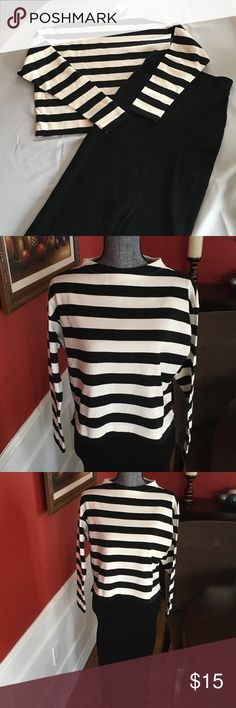 Striped Cropped Mock Neck Long Sleeve T-Shirt 100% Cotton great for layering, nice with black knit skirt and boots or leggings and boots Uniqlo Tops Crop Tops