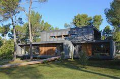 PopUp House est une maison passive et 100% recyclable montée en 4 jours, simplement à l'aide d'un tournevis électrique.
