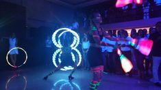 Intervenção com malabaristas led em evento corporativo da Marsh no espaço Onix em São Paulo. Contate-nos humorecirco@gmail.com (11) 97319 0871 (21) 99709 6864 (73) 99161 9861 whatsapp. Led, Humor, Concert, Openness, Sao Paulo, Corporate Events, Artists, Humour, Funny Photos