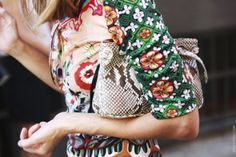 how to mix prints and colors - by Myra Madeleine
