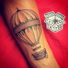 Globo/ Balloon (01/10/15, Barcelona) #fky996 #fky996tattoo #tattoo #tatuaje #barcelona #barcelonatattoo #airballoon #airballoontattoo #globoaerostatico #art #blackworkers #sorrymummytattoo