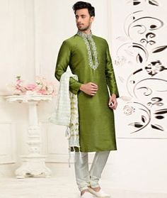 Looking different from others with this Green Dhupion Art Silk Wedding Kurta with wedding Collection . This festive Kurta contains Cream colored Dhupion Art Silk Fabric Bottom. This festive Kurta contains thread work on Top and contains Stone Buttons. Indian Wedding Wear, Indian Wear, Groom Dress, Men Dress, Groom Outfit, Moda Indiana, Gents Kurta, Kurta Men, White Kurta