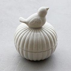 [손잡이닷컴] bird case (화이트 도자기) Ceramic Boxes, Ceramic Jars, Ceramic Clay, Ceramic Pottery, Pottery Art, Clay Box, Pet Urns, Polymer Clay Animals, Mugs