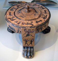 Boiotian Tripod-Lid-Pyxis from Tanagra, about 570-560 B.C. Antikensammlung, Berlin.