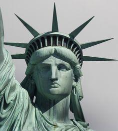 Freiheitsstatue / Statue of Liberty / Lady Liberty / Liberty Island - Manhattan, New York / Vereinigte Staaten von Amerika / United States of America / USA Statue Of Liberty Drawing, Statue Of Liberty Tattoo, Liberty Statue, Liberty Island, French Sculptor, Beach Trip, Sculpture Art, New York City, Sketches