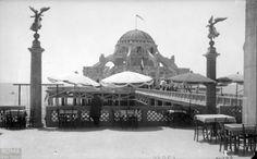 "Ostia – Stabilimento balneare ""Roma"" (1922/1943) Bed And Breakfast, Old Photos, Rome, Taj Mahal, Italy, Architecture, World, Building, Travel"