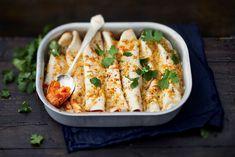 Kasvisburritot Bouillabaisse Recipe, Chickpea Burger, Mozzarella Sticks, Tzatziki, Tex Mex, Fried Chicken, Fried Rice, Family Meals, Pasta Salad