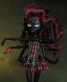 monster high - custom wydowna spider - daughter of arachne
