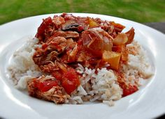 Slow Cooked Chicken Italian is so quick and easy to prepare, the slow cooker turns a few simple ingredients into the most delicious meal! Fab Food 4 All Slow Cooker Recipes, Crockpot Recipes, Cooking Recipes, Budget Recipes, Slow Cooked Chicken, Warm Food, Batch Cooking, Tasty Dishes, Great Recipes