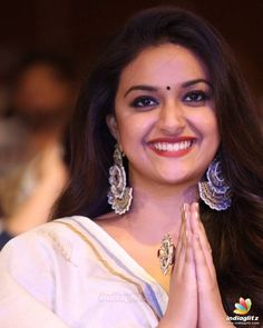 Keerthy Suresh Beautiful Girl Indian, Most Beautiful Indian Actress, Beautiful Women, South Indian Actress Hot, South Actress, Kirthi Suresh, Tamil Actress Photos, India Beauty, Heroines