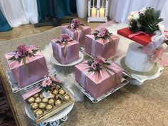 Wedding Gift Hampers, Wedding Gift Boxes, Wedding Gifts, Engagement Decorations, Backdrop Decorations, Wedding Decorations, Wedding Jobs, Diy Wedding, Wedding Doorgift