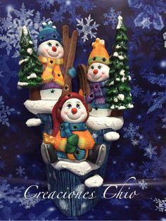 Tronco nieve Christmas Clay, Vintage Christmas, Christmas Crafts, Merry Christmas, Christmas Decorations, Xmas, Christmas Ornaments, Holiday Decor, Christmas Cake Topper