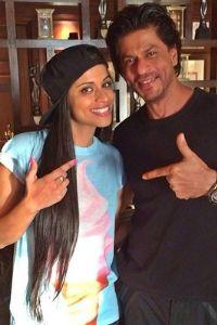 Lily Singh at SRKs House. Whaaaatttttttttttttttt the fudge