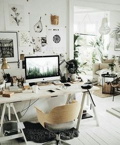 White boho home office with artwork Workspace Design, Office Interior Design, Home Office Decor, Office Interiors, Home Interior, Home Decor, Bedroom Workspace, Ikea Office, Office Chic