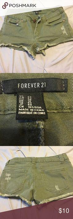 Forever 21 dark green shorts. Worn once. Forever 21 dark green shorts. Worn once. Forever 21 Shorts Jean Shorts