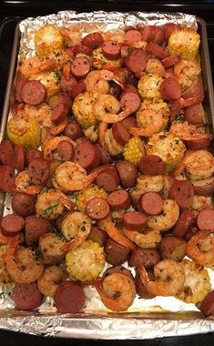 Easy, make-ahead foil packets packed with shrimp, sausage, corn and potatoes. It's a full meal with zero clean-up! Please pin the recipe Thanks The traditional shrimp boil is converted to an easy peasy foil packet dinner option. And the best part comes in Cajun Shrimp Recipes, Seafood Recipes, Dinner Recipes, Cooking Recipes, Easy Recipes, Skinny Recipes, Delicious Recipes, Dinner Ideas, Cajun Food