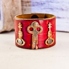 Hey, I found this really awesome Etsy listing at https://www.etsy.com/listing/171956824/wide-cuff-leather-bracelet-vintage-keys