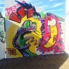 Painting from yesterday sorry For The shade . Me and @artelius_tattoo #graffiti#rödasten#göteborg#sweden#gbg#gothenburg#snake#banana#newschool