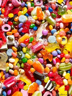 """gallerystockphoto: """" Candy by David Lidbetter """" Anniversaire Candy Land, Candy Pictures, Rainbow Food, Rainbow Candy, Sour Candy, Food Wallpaper, Colorful Candy, Candy Party, Candy Store"""