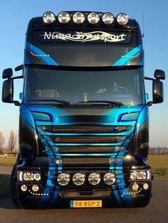 De nieuwe Nima: P! Show Trucks, Big Rig Trucks, Hot Black Women, Truck Transport, Large Truck, Best Luxury Cars, Volvo Trucks, Heavy Truck, Custom Trucks