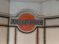 Tiled Underground logo at Maida Vale by Randomly London Vintage London, Old London, Jubilee Line, Underground Lines, Tube Train, London Underground Stations, Maida Vale, Elephant And Castle, London Today