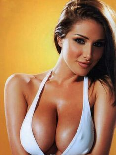 Being a British glamour model Lucy Pinder possesses this scarce sensible feature of British women conservatism! Pretty Face, Gorgeous Women, Sexy Lingerie, Lounge Wear, Curvy, Sexy Women, Victoria's Secret, Glamour, Blond