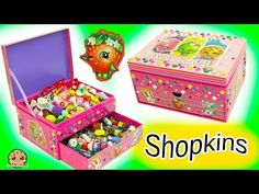 Custom make your own Shopkins jewelry box! Attach stickers and jewels to the outside. Wow Shopkins and Blind Bags are inside and Season 6 Chef Club … source Shopkins Cartoon, Shopkins Food, Shopkins Shoes, Diy Shopkins, Diy Gift Box, Diy Box, Shopkins Season, Hello Kitty Accessories, Fabric Boxes