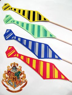 HARRY POTTER Photo Booth Props  Hogwarts House by PAPERandPANCAKES, $12.00