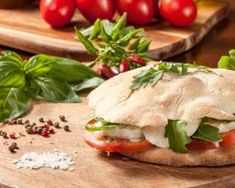 Ciabatta, Avocado Dishes, Cooking Cookies, Tomate Mozzarella, Health Eating, Salmon Burgers, Street Food, Sandwiches, Brunch
