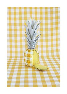 Creative Photography, Corey, Bartle, Sanderson, and Pinapple image ideas & inspiration on Designspiration Estilo Tropical, Fruit Art, Still Life Photography, Mellow Yellow, Art Direction, Food Art, Color Inspiration, Creative, Photos
