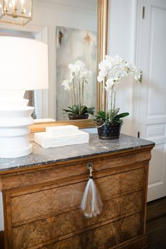 Styling Your Wet Bar And Entry Hall Table - J Cathell