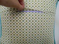 s.o.t.a.k handmade: installing zipper closure in a  pillow cover {tuto...