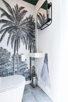 Home Decor Styles Bad Inspiration, Bathroom Inspiration, Interior Inspiration, Home Decor Styles, Home Decor Accessories, Wallpaper Toilet, Small Toilet Room, Bathroom Interior, Home Remodeling