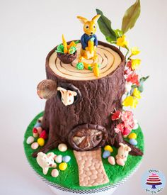 I made this for a girls birthday recently and she loved bunnies so gave it an Easter Twist. I used Jo of Ciccio's Realistic wood effect tutorial to create the Tree Stump. She did an amazing job on her tutorial that it all seemed so easy.