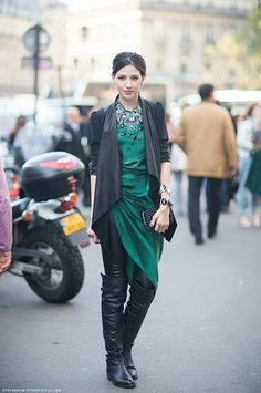 An emerald cocktail dress worn over leather leggings and flat boots? Genius!     {Image via Caroline's Mode}