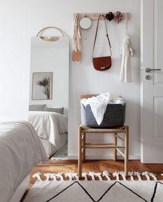 COLOR NOW - COCO LAPINE DESIGNCOCO LAPINE DESIGN Black Armchair, Small Workspace, Bright Homes, Vogue Living, Chrome Handles, White Sofas, Beige Carpet, Warm Colors, Natural Colors